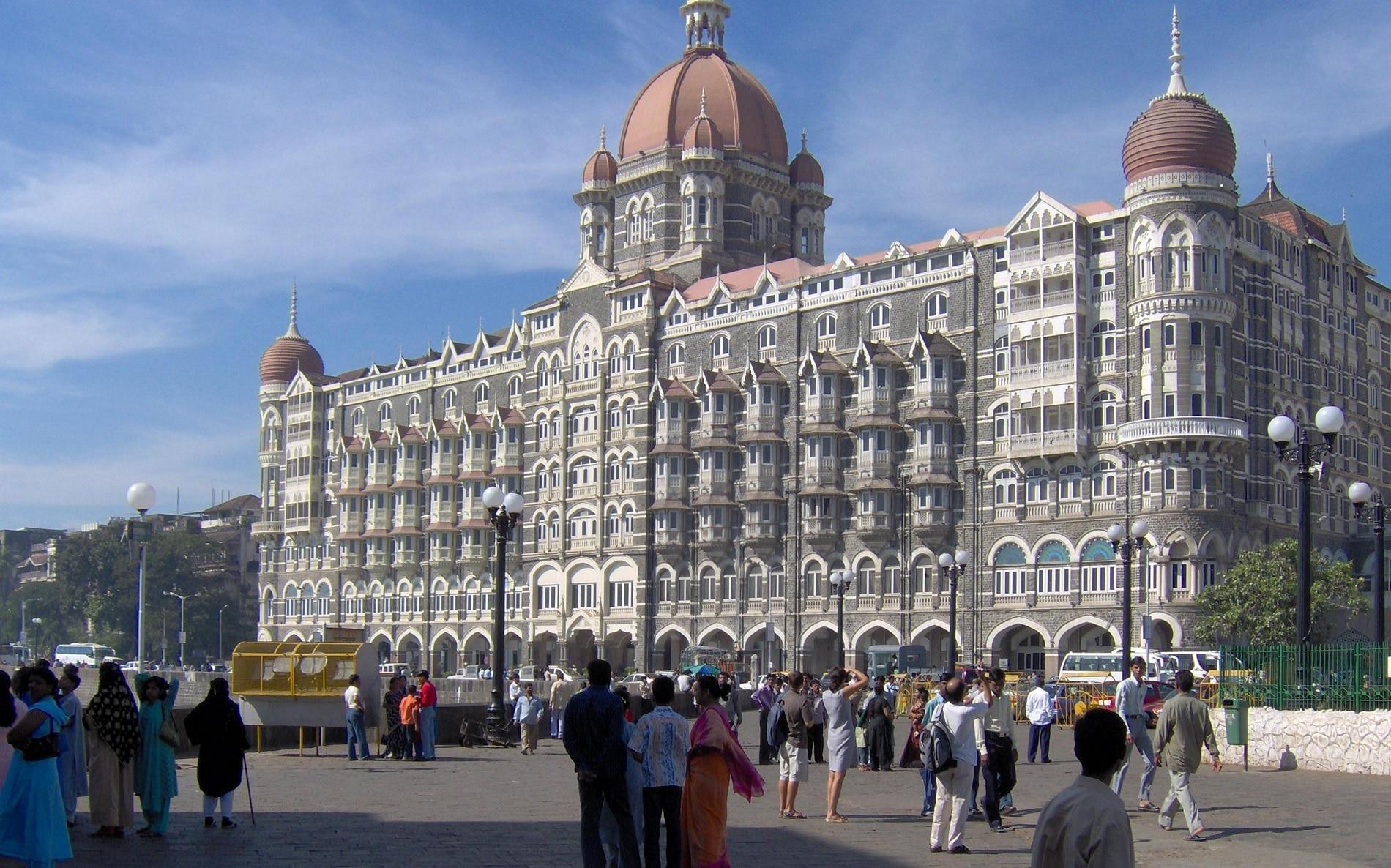 Hotelul Taj Mahal, unul dintre cele mai luxoase hoteluri din Mumbai