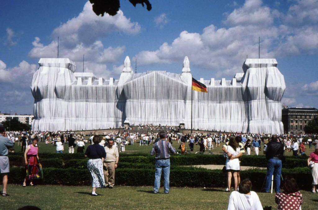 Nu e un trucaj ci un exerciție de artă, Reichstagul îmbrăcat