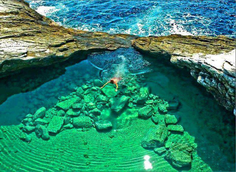O frumoasă lagună în Insula Thassos