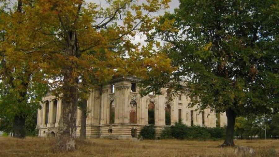 Palatul Micul Trianon a fost naționalizată în anul 1945