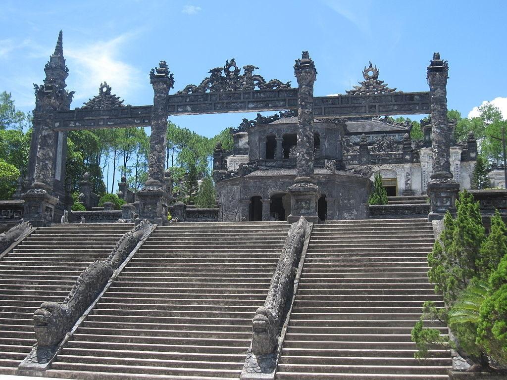 Palatul din incinta complexului funerar