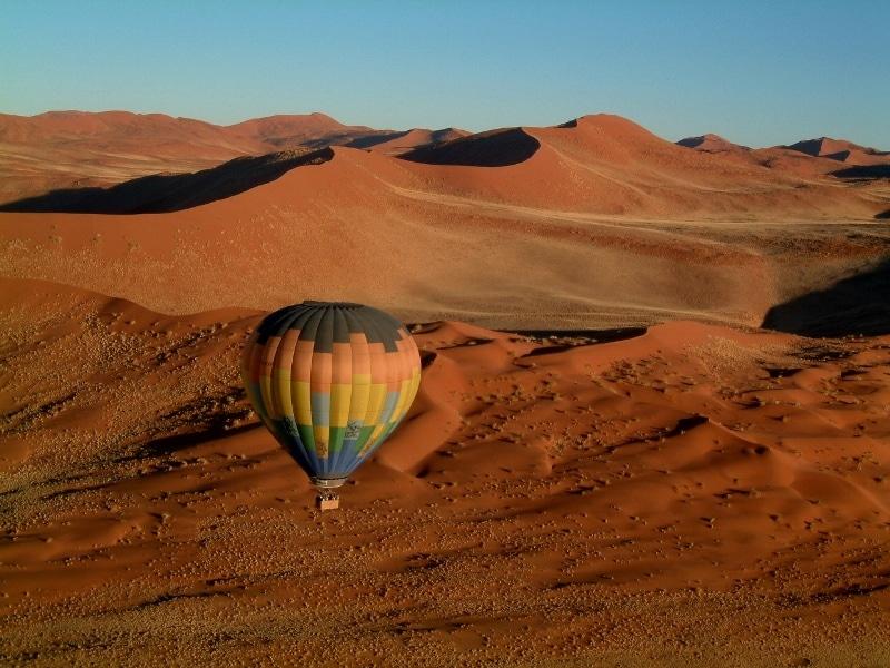 Plimbările cu balonul vor dezvălui adevăratul farmec al peisajului