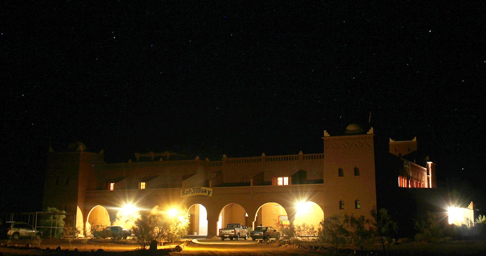 Sahara Sky, hotelul cu propriul observator astronomic