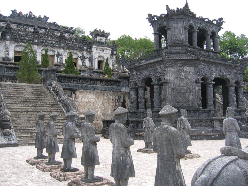Surprinzător, statuile sunt făcute din piatră și nu din beton