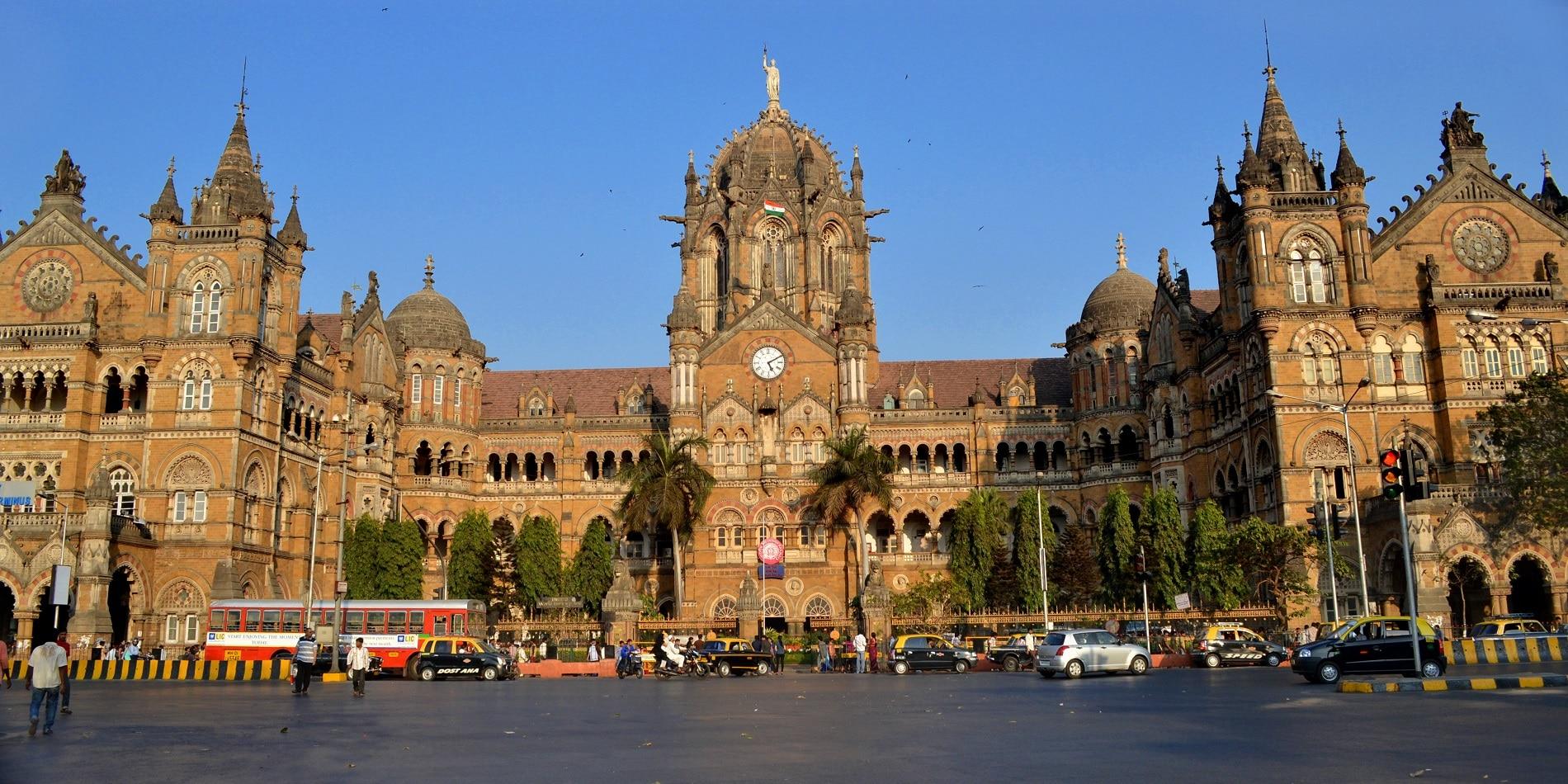 Gara Chhatrapati Shivaji Terminus din Mumbai