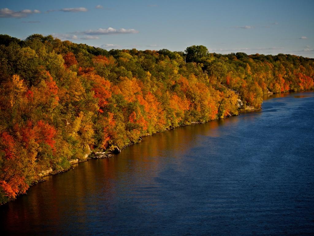 Toamna are un farmec aparte pe teritoriul Fluviului Mississippi