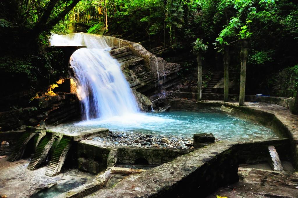 Una din cascadele naturale reamenanjate în Las Pozas