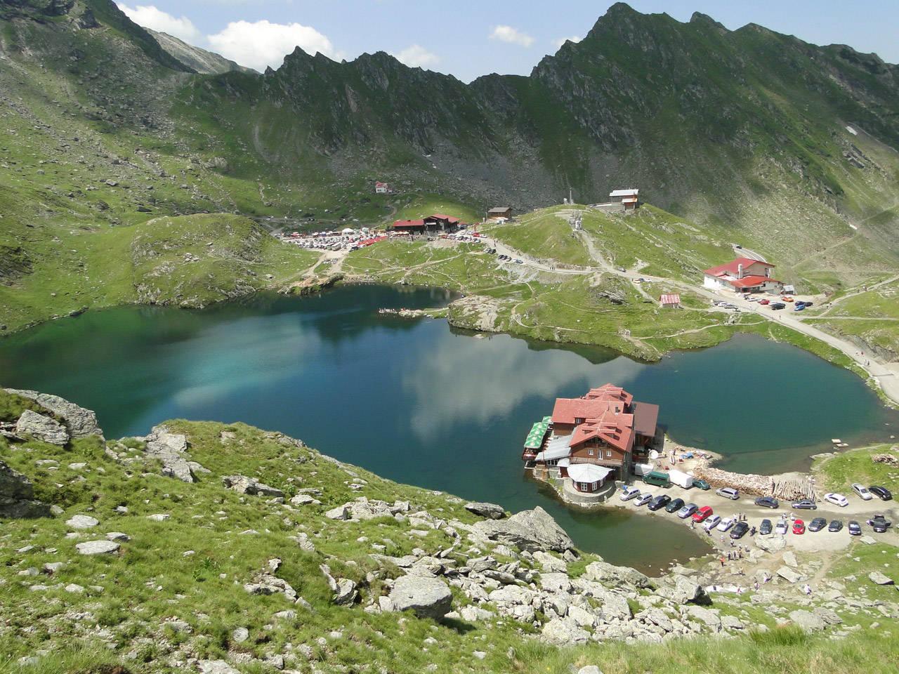 Cabana şi lacul Bâlea Lac
