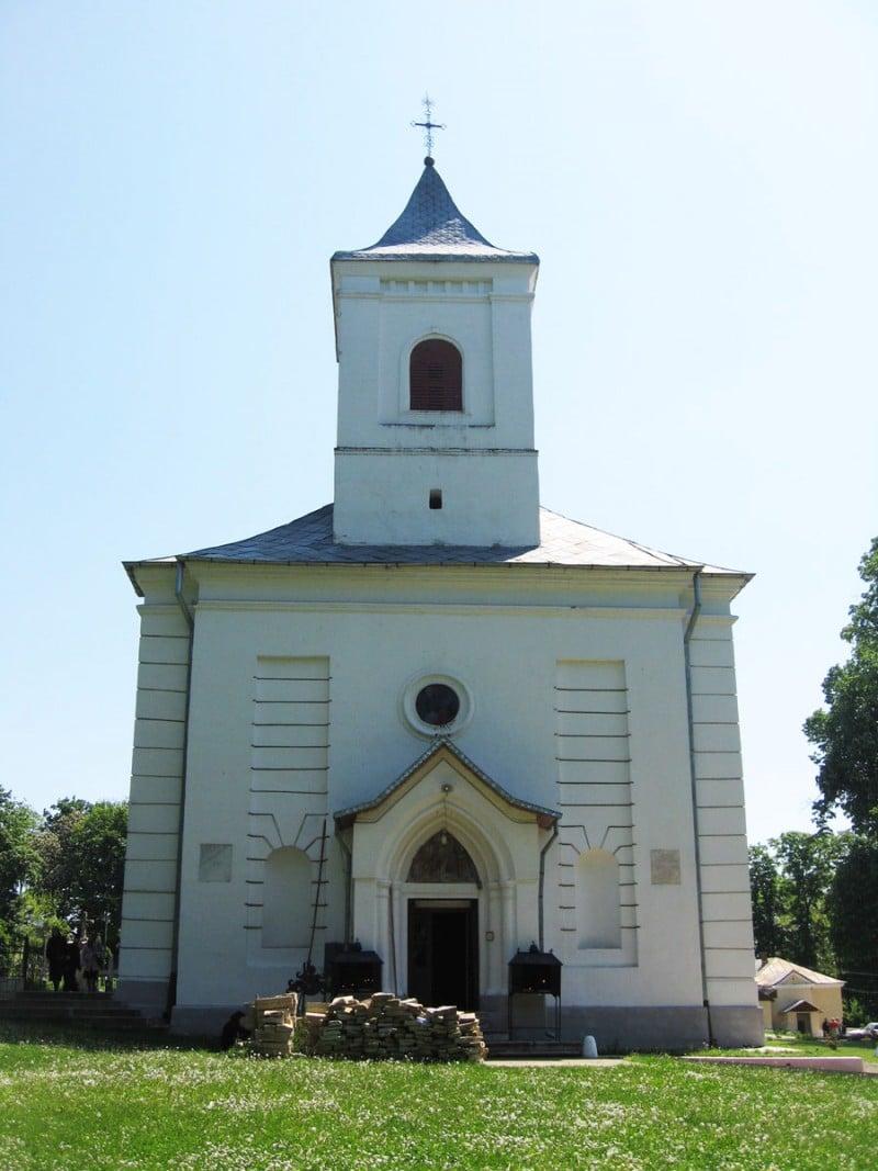 Biserica Mănăstirii Miclăușeni