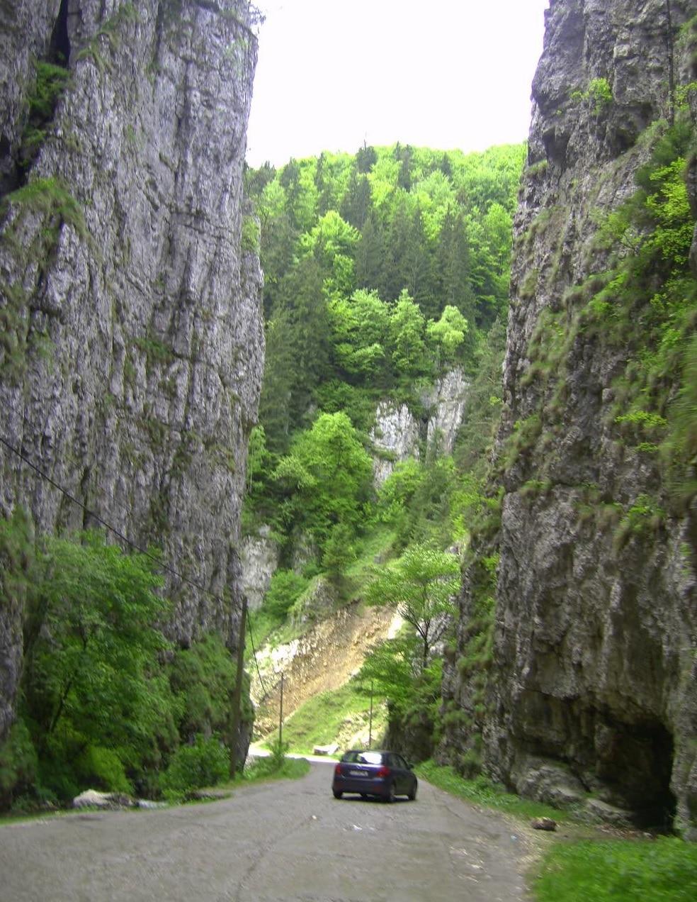 Cheile Dâmbovicioarei, un loc absolut minunat din România