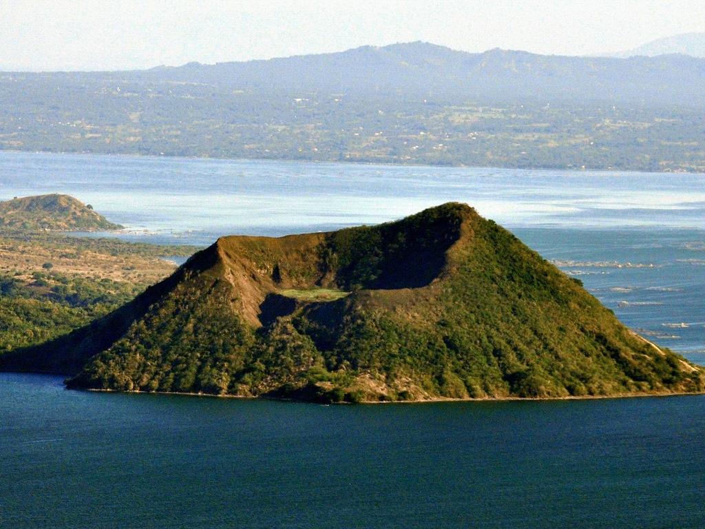 Vulcanul Taal, cel mai mic vulcan din lume