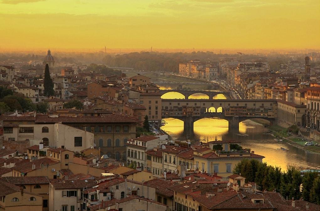 Florența, Capitala Toscanei - un oraș situat pe malurile râului Arno