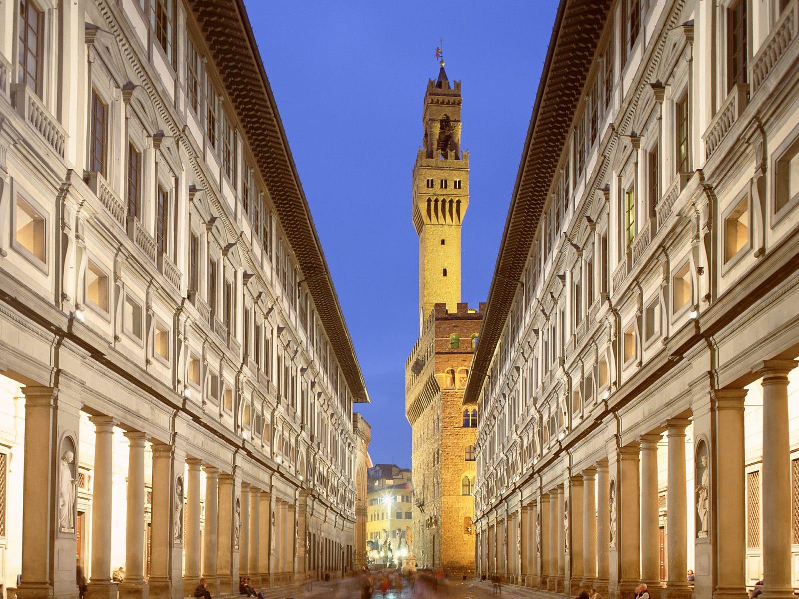 Palatul Uffizi, cu un design inedit, găzduiește Galeria Uffizi