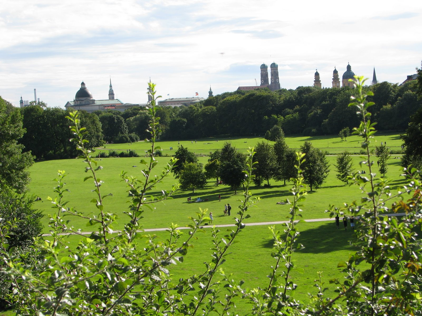 Grădina Engleză este cel mai mare parc urban din Europa