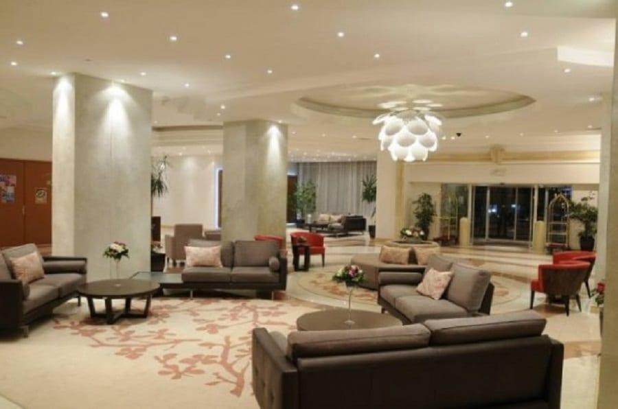 Eleganţă şi confort la Hotel New Montana din Sinaia