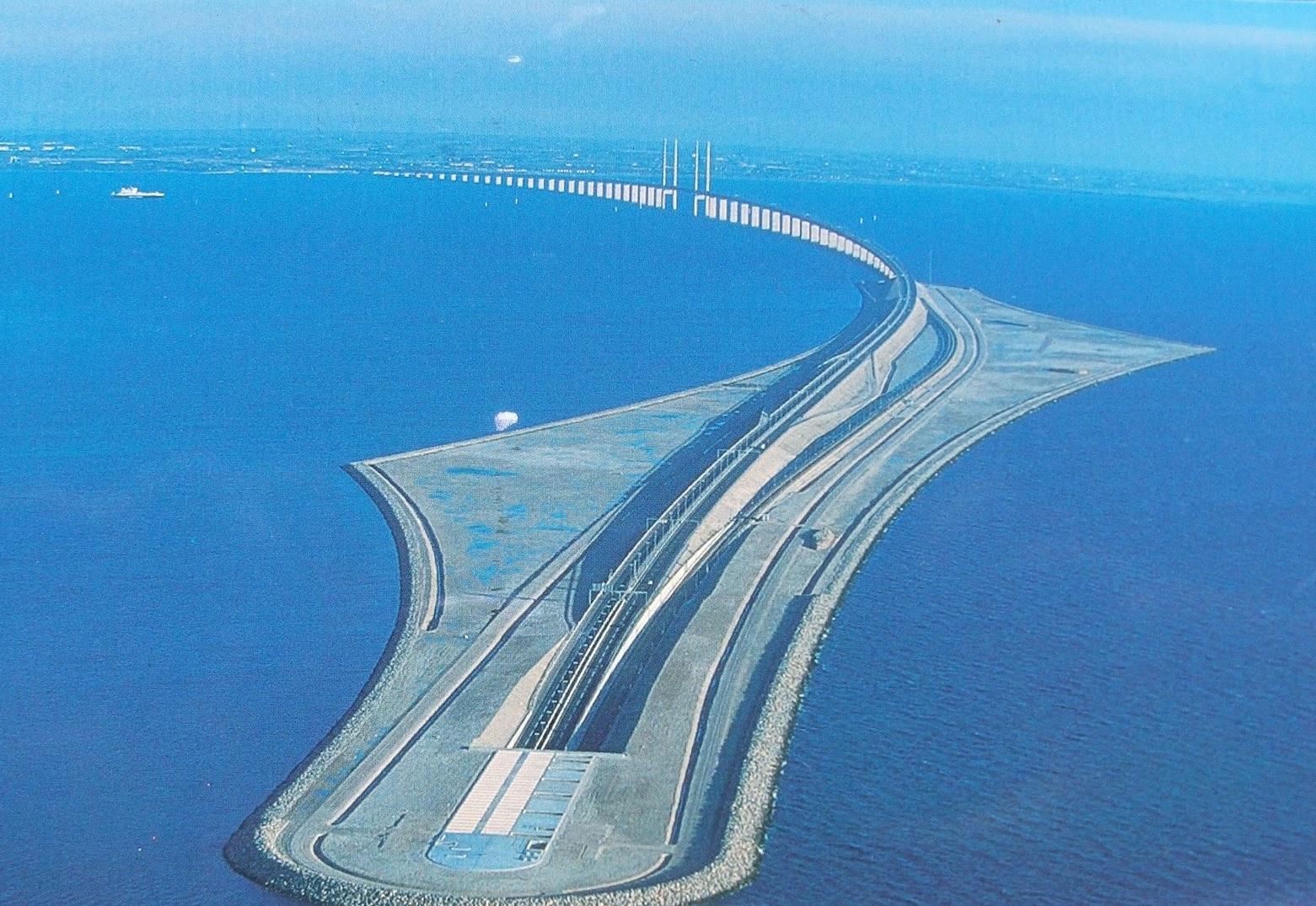 Podul Oresund, cel mai lung pod-tunel feroviar şi rutier din Europa