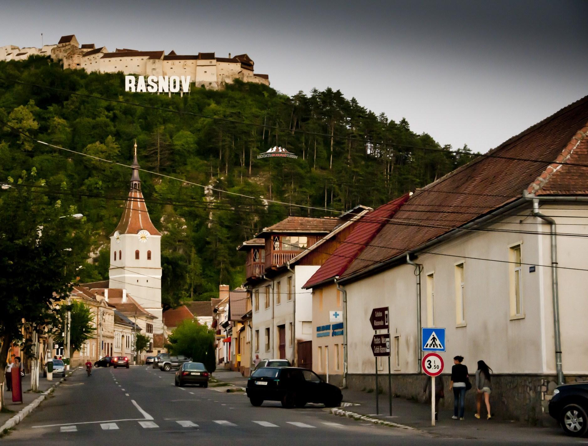 Drumul către Cetatea Râşnov