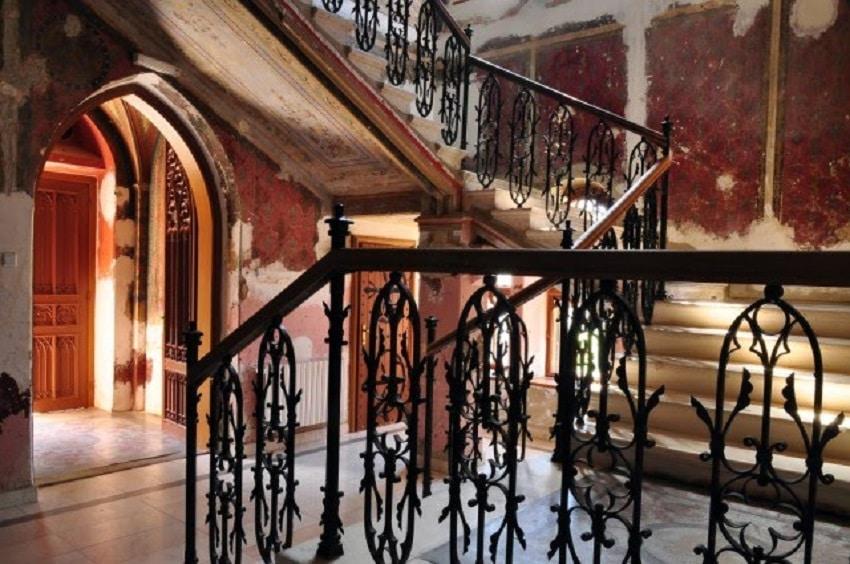 Scări din interiorul Castelului Sturdza