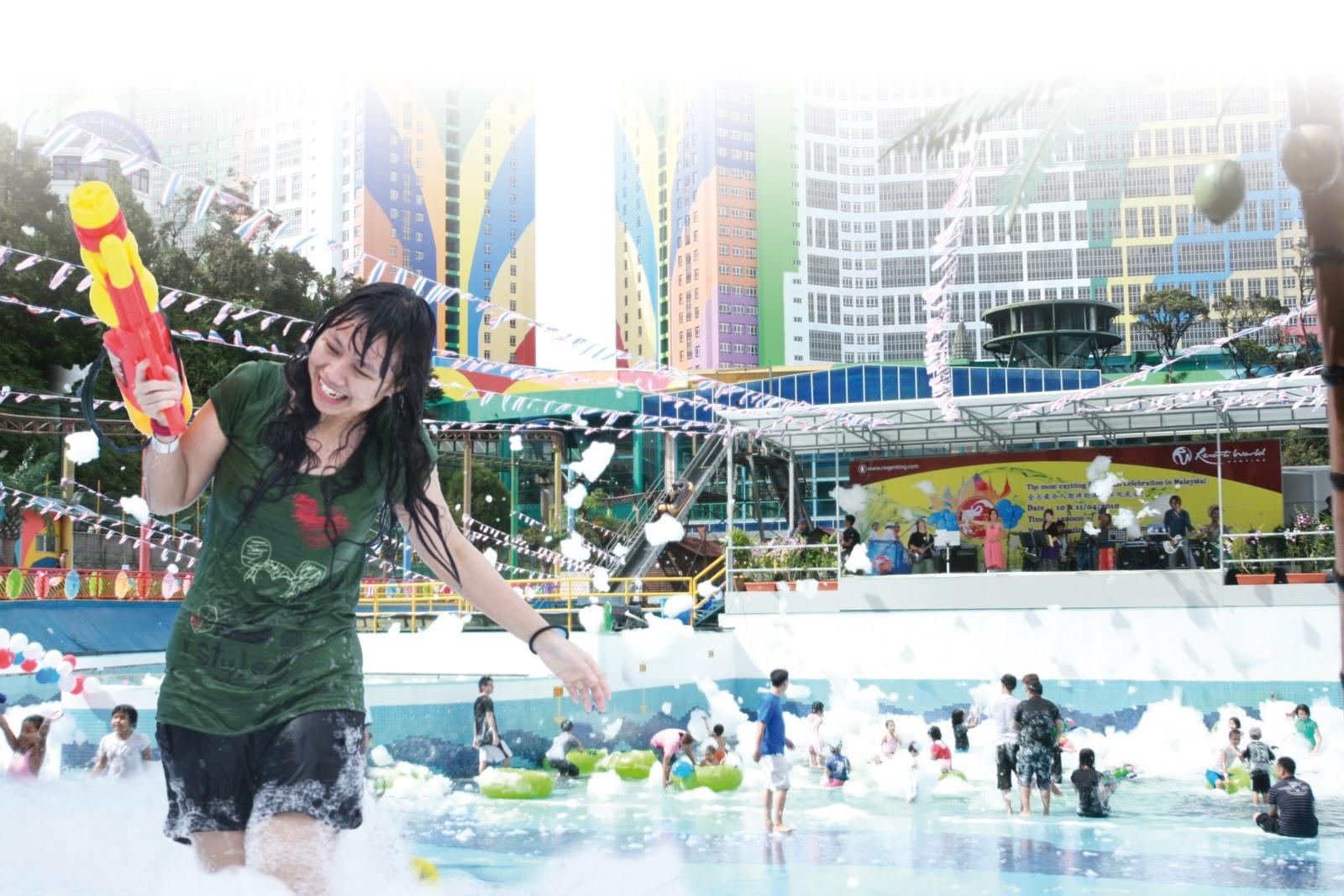 Distracție garantată pentru cei mici la piscina Watersplash Pool