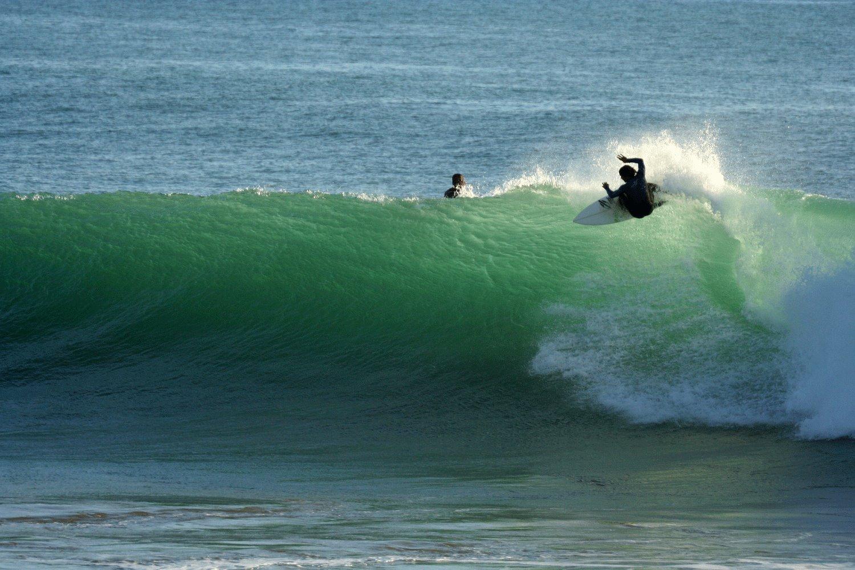Valurile perfecte pentru surfing ale Oceanului Atlantic