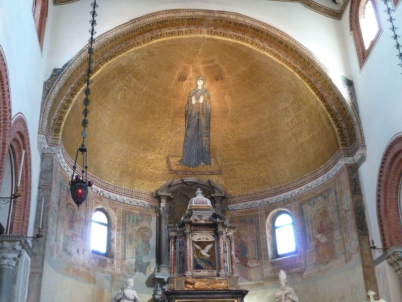 Interiorul Bisericii Sfinților Maria și Donato din Murano