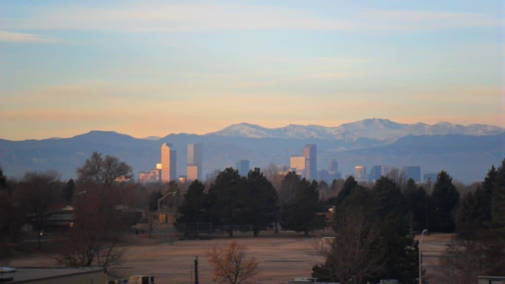 Apus de soare peste Denver