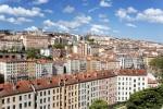 Casele vechi domină peisajul din Lyon