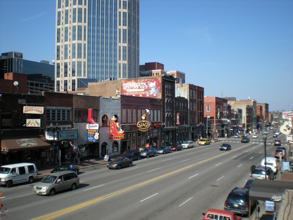Centrul orașului este mai puțin impresionant decât al altor metropole similare din America