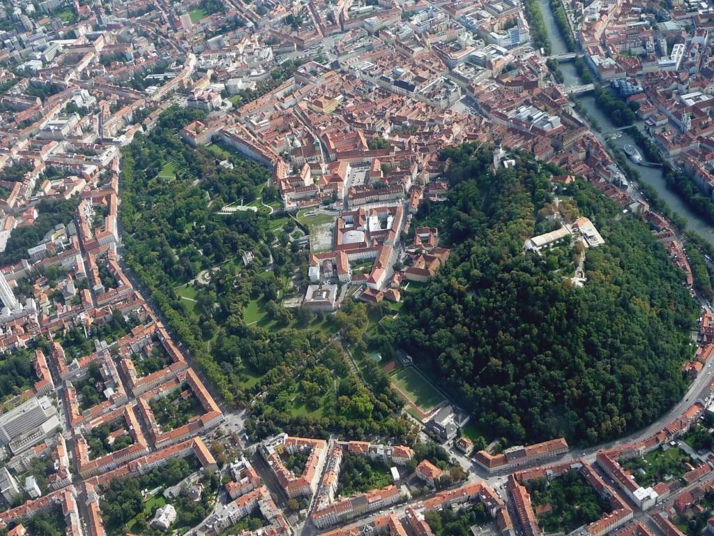 Centrul vechi din Graz, un exemplu de frumusețe și eleganță arhitecturală