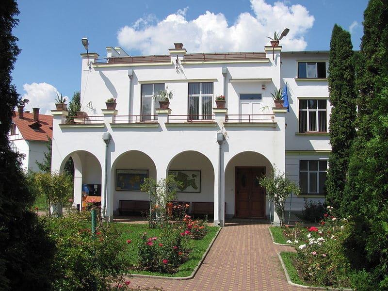 Clădirea institutului botanic
