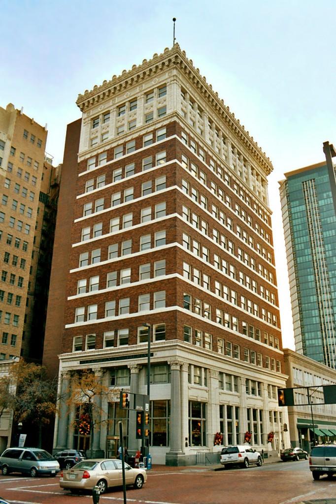 Clădirea Burk Burnett, una dintre cele mai frumoase din centrul orașului