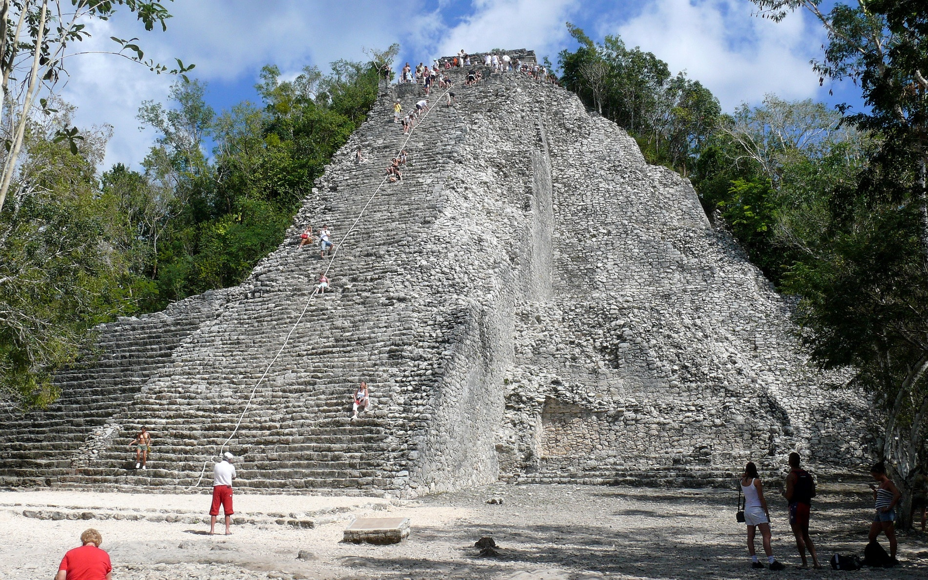 Piramida Nohuch Mul din Coba