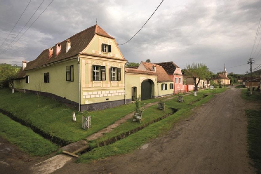 Casa Verde din Copșa Mare - O casă restaurată, transformată în conac de lux