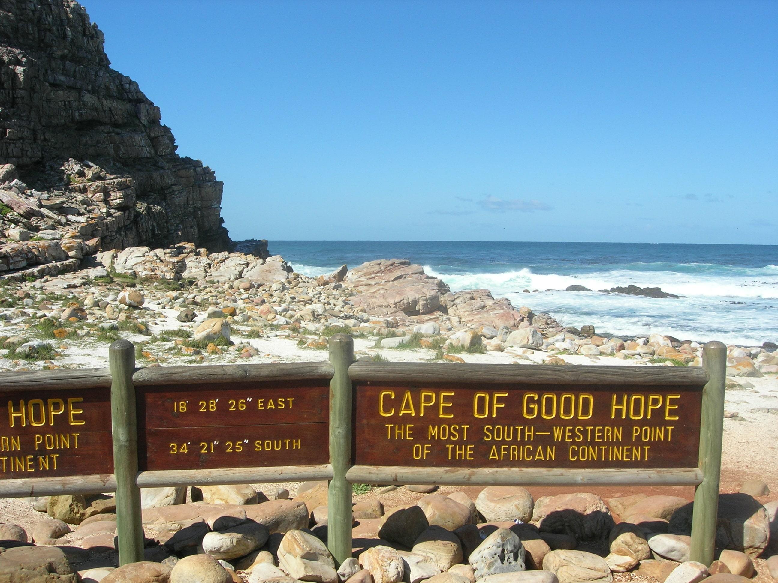 Deși se laudă că este cel mai sudic punct al Africii, ei bine nu e, dar chiar și așa Capul Bunei Speranțe este o zonă de o frumusețe aparte