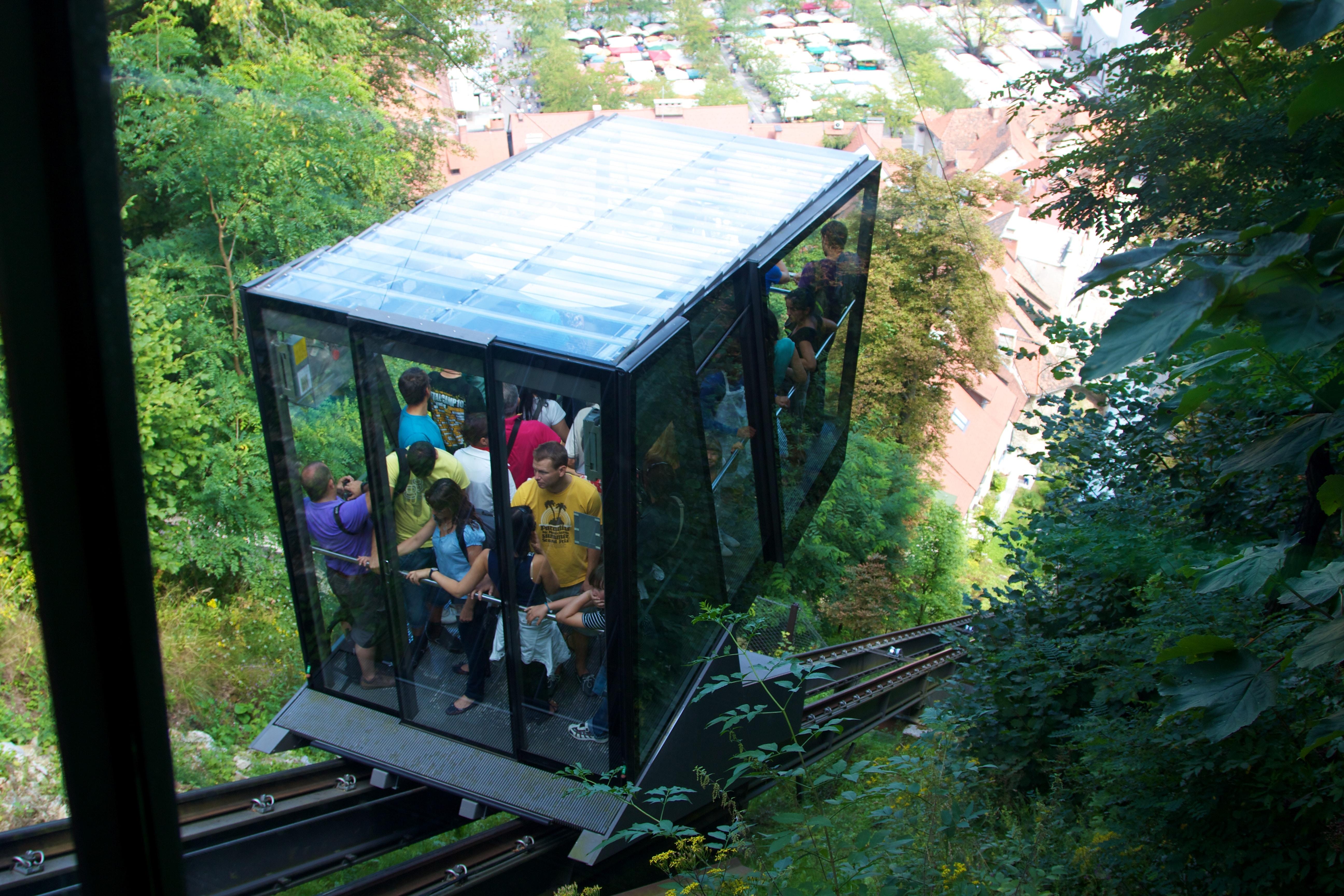 Funicularul ce duce la Castelul Ljubljana
