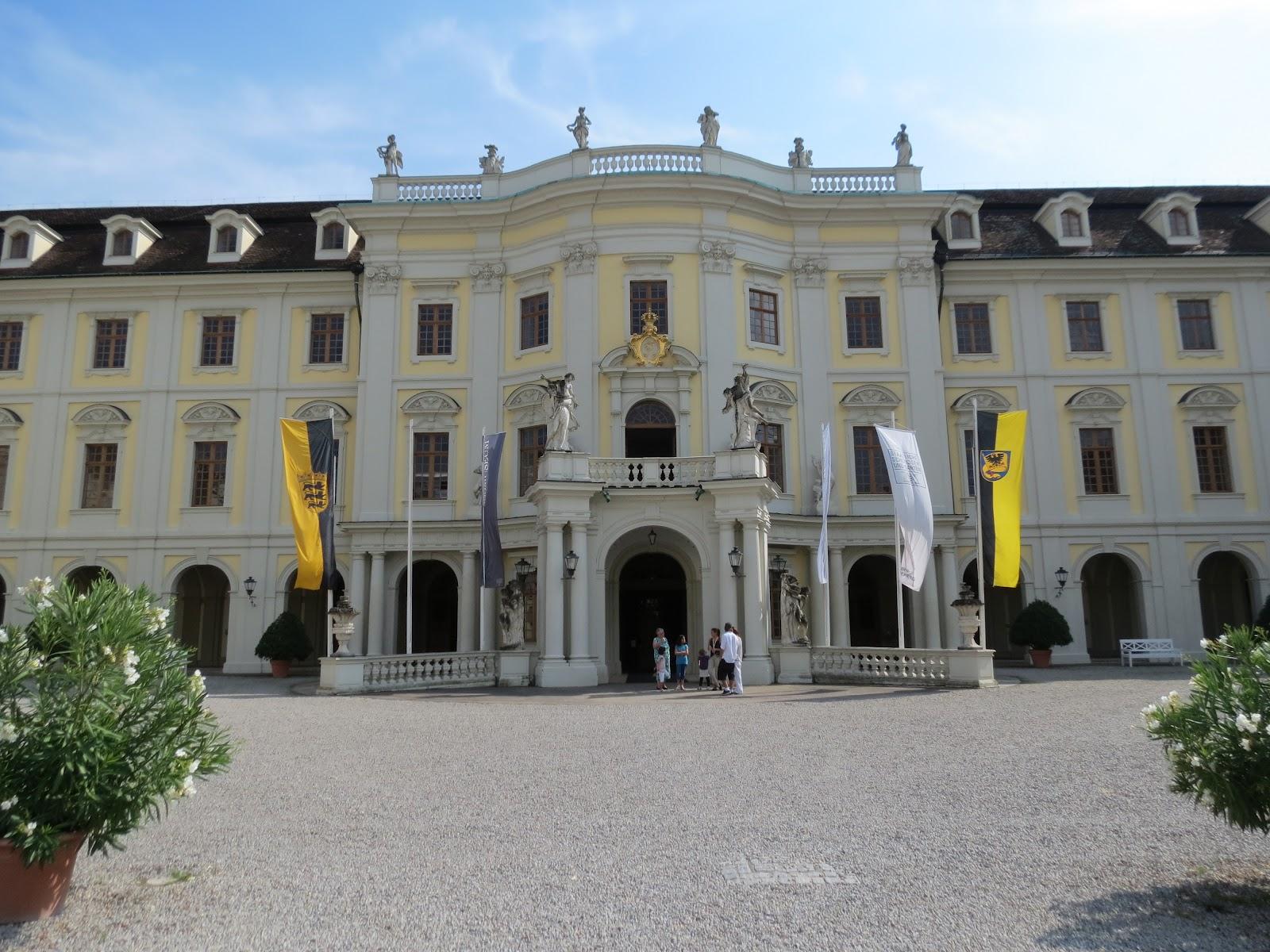 Intrarea principală în Palatul Ludwigsburg