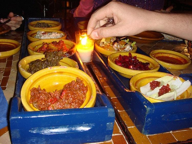 Feluri de mâncare tradiționale servite la restaurantul La Sqala