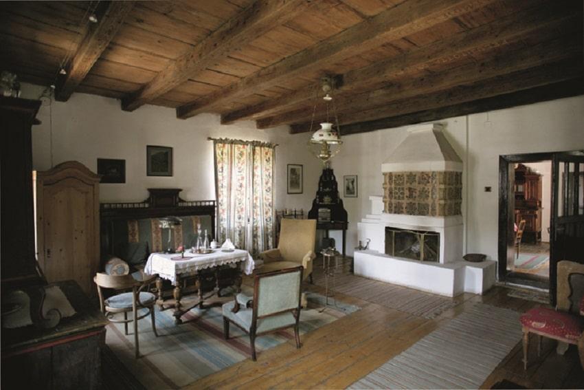 Interior autentic românesc al conacului din Micloșoara