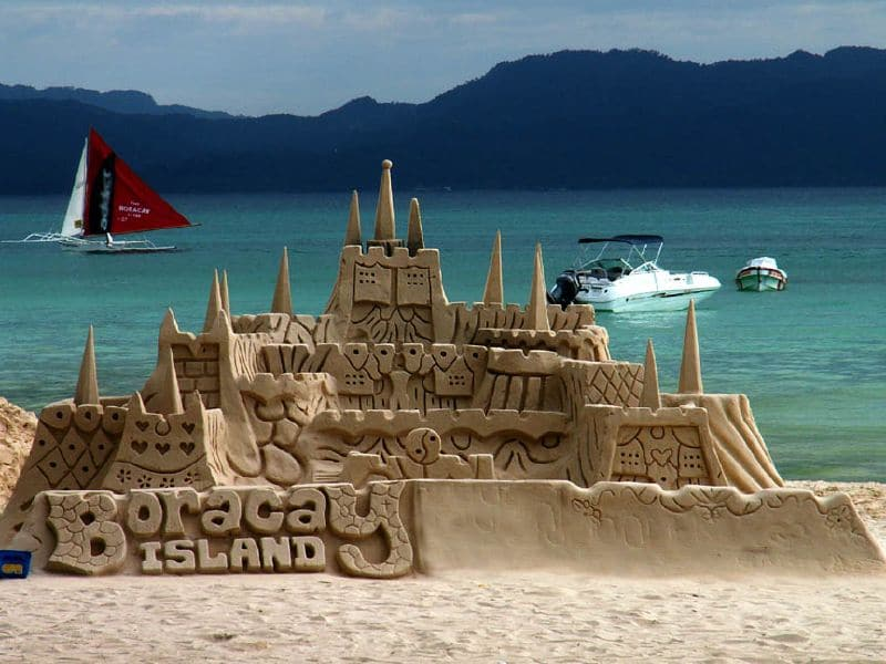 Insula Boracay este situată într-un cadru natural de vis