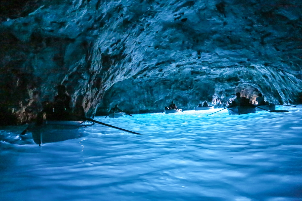 Peştera Albastră