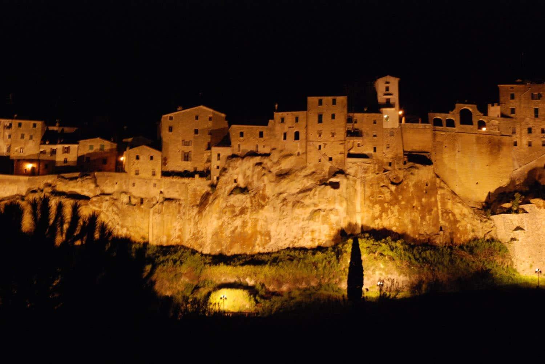 Pitigliano, un loc istoric și religios