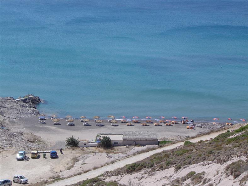 Plaja Camel din stațiunea Kefalos - un loc preferat de nudiști