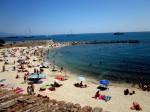 Plajele din Antibes sunt bine amenajate și nu sunt atât de aglomerate