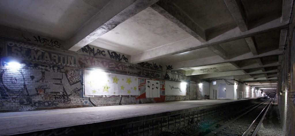 Prea puțin spectaculoasă, această stație a fost abandonată în seama grafferilor