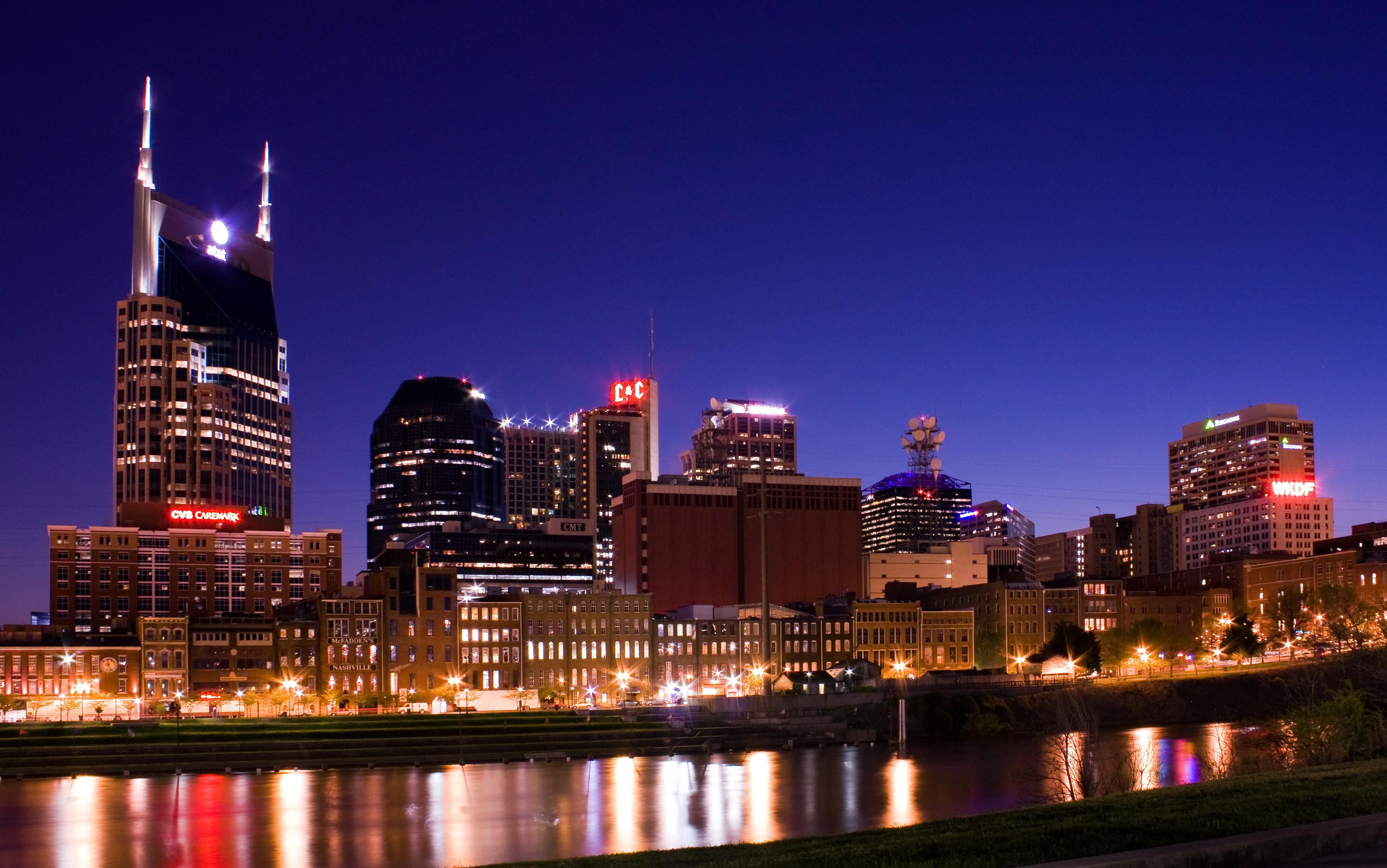 Puțin farmec nocturn în Nashville