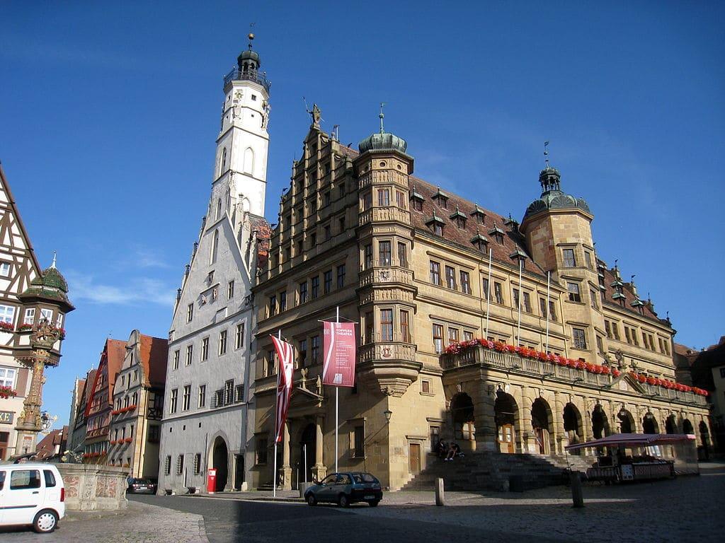 Rothenburg ob der Tauber este alcătuit din clădiri uimitoare