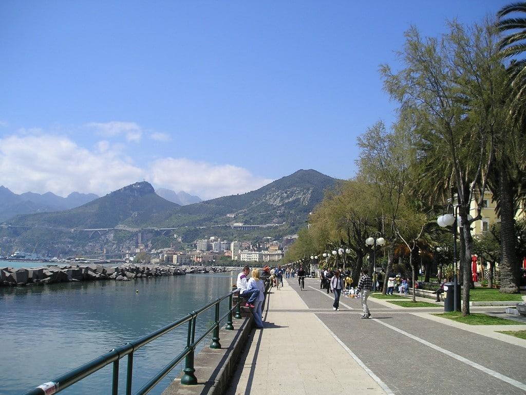 Salerno, Lungomare este o adevărată Rivieră Franceză în inima Italiei