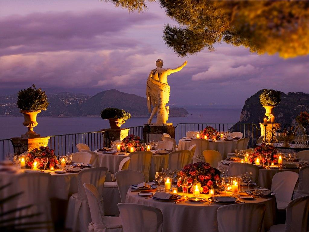 Seara, poţi opta pentru o cină romantică