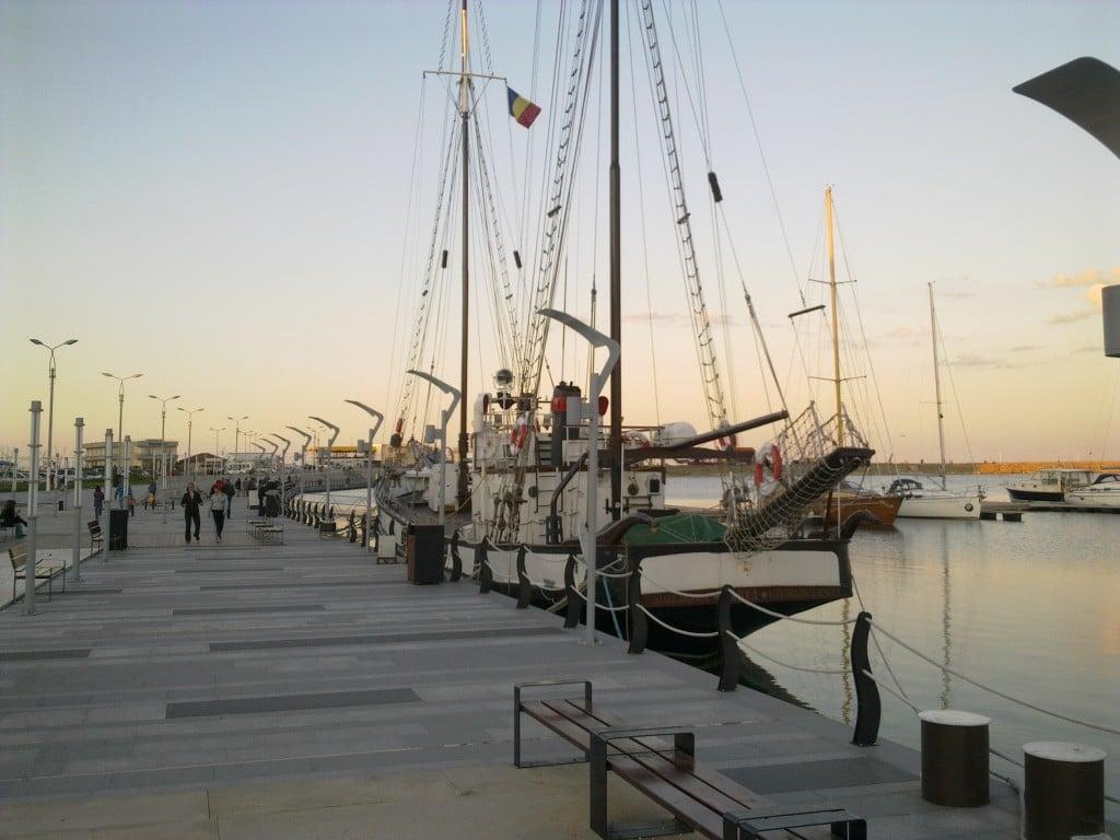 Un vas cu construcție clasică, una din multele frumuseți pe care Mangalia le ascunde