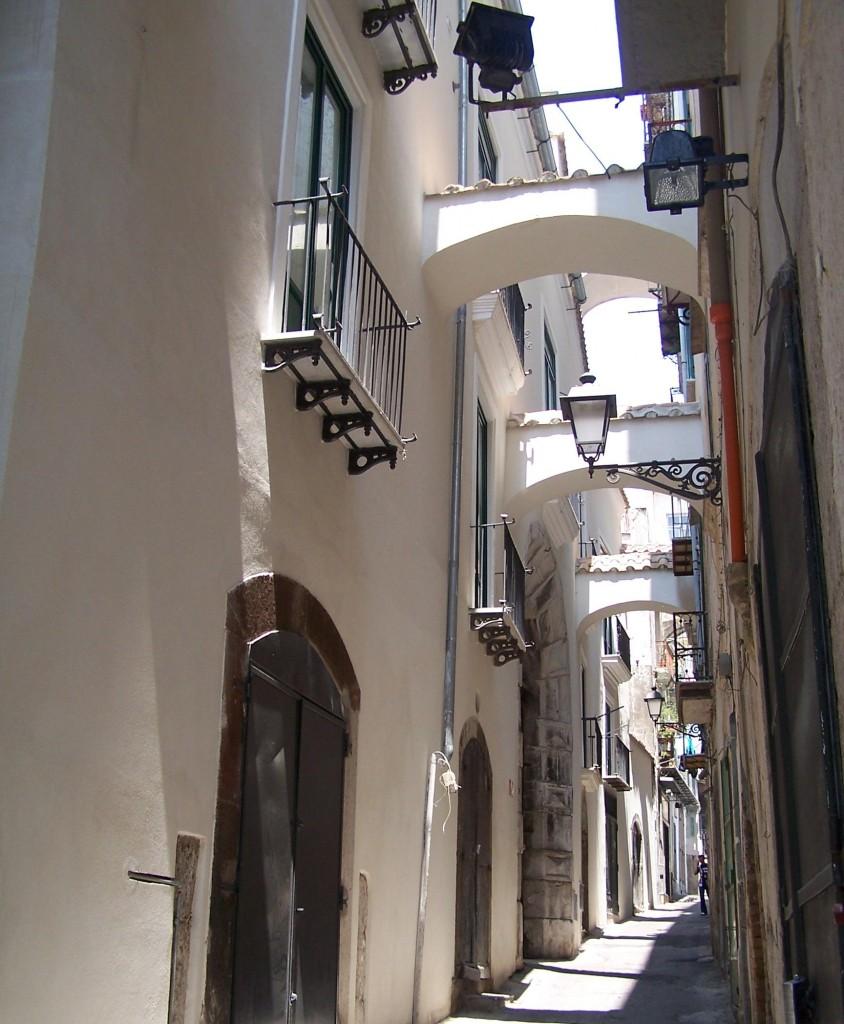 Via Botteghelle, una din multele străduțe înguste dar foarte pitorești